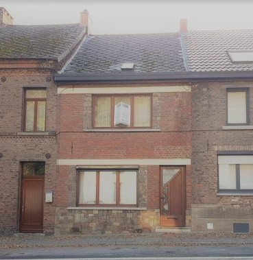 Spacieuse maison d'habitation: A rafraîchir