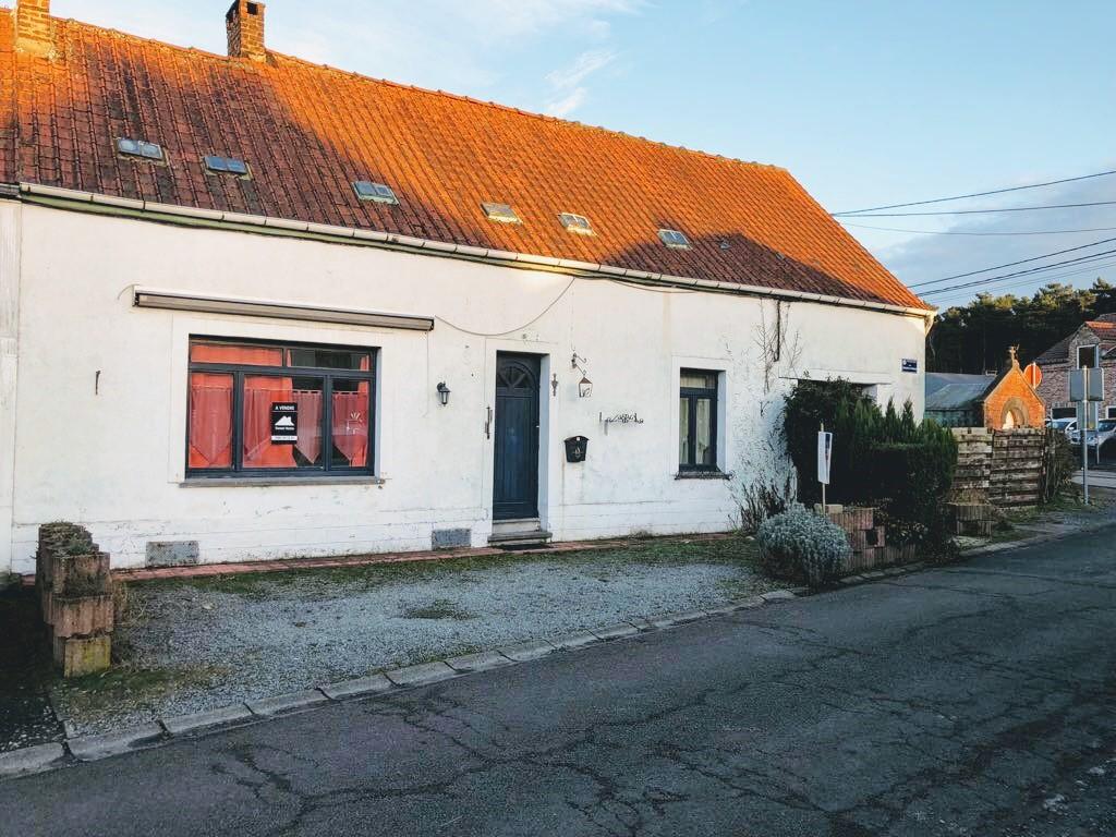 Maison avec garage et jardin